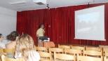 Ο κ.Κοντοδήμας παρουσιάζει διαφάνειες για το ρυγχωτό σκαθάρι